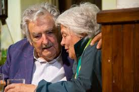 pepe mujica e moglie emir kusturica locandina