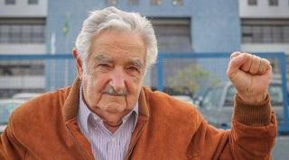 pepe mujica e moglie emir kusturica pugno