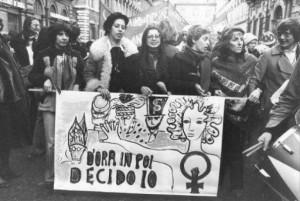 Militanti alla manifestazione a favore dell'aborto, 6 dicembre 1975