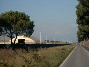 La base militare di Camp Derby a Pisa.