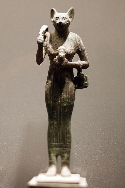 Statua in bronzo della dea Bastet
