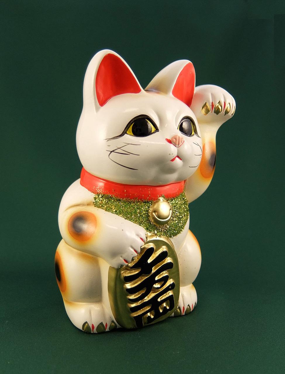 Maneki neko, il gatto portafortuna giapponese