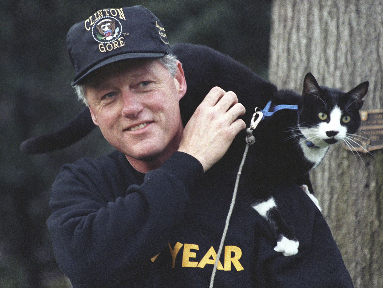 Bill Clinton con il gatto Socks
