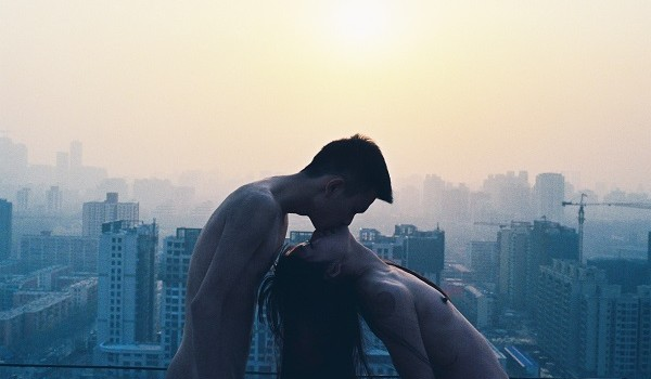 Ren-Hang-Kissing-Roof-2012.-Courtesy-Stieglitz19-and-Ren-Hang-Estate