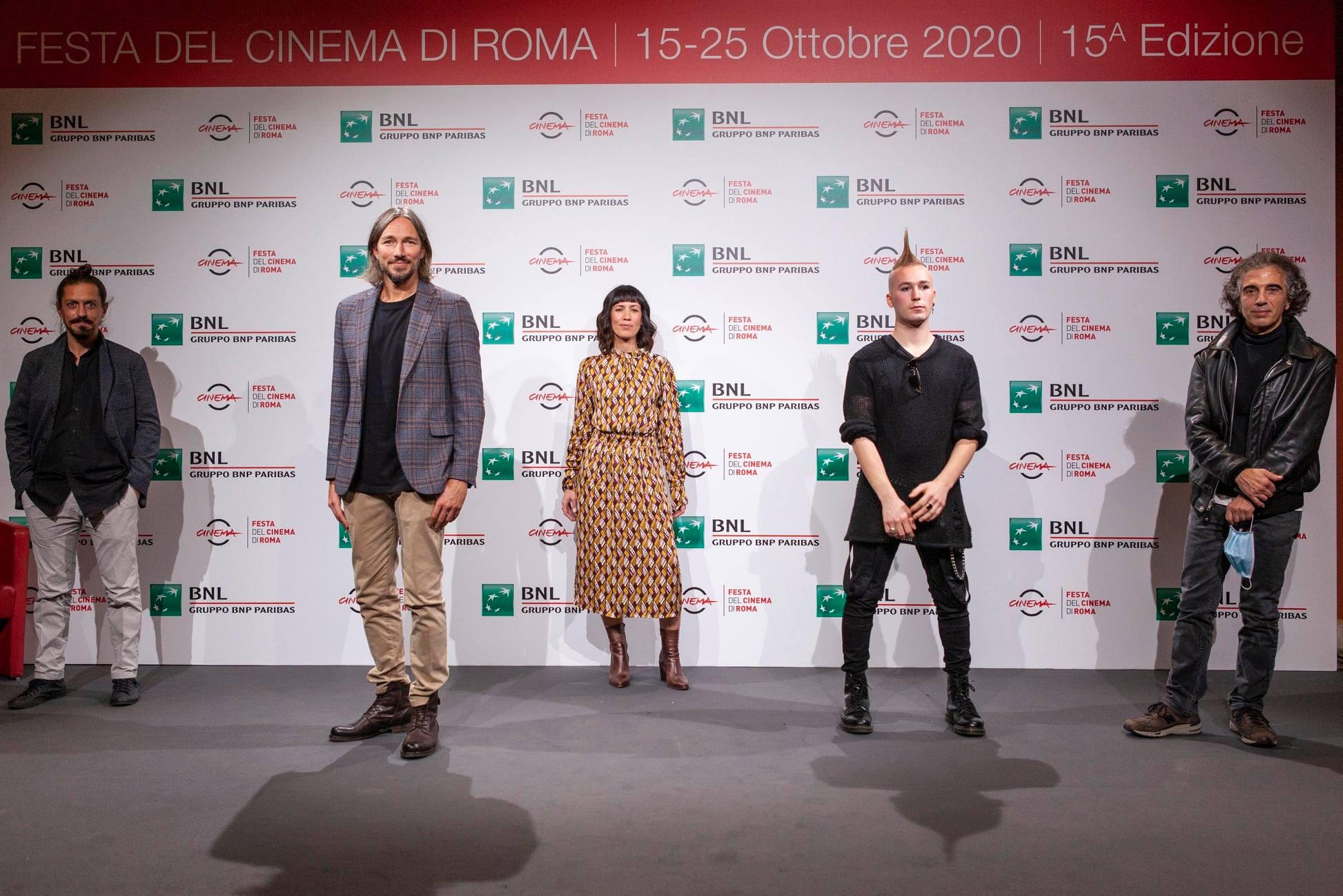 Festa del Cinema a Roma: la prima di We are the Thousand. Fabio Zaffagnini, Anita Rivaroli e ultimo, ma non meno importante, a destra il maestro Sabiu.