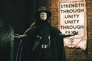 La maschera di V che è giunta fino a noi (a volte anche abusata, ma non è certo colpa sua)