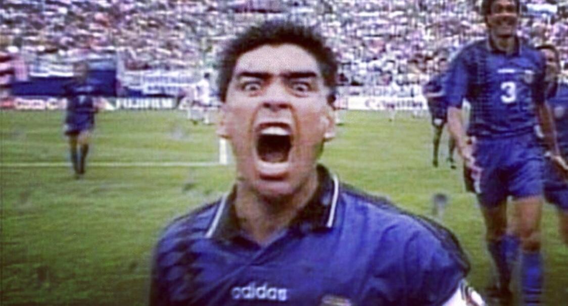 Esultanza di Maradona al gol contro la Grecia