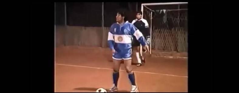 Maradona gioca a calcetto
