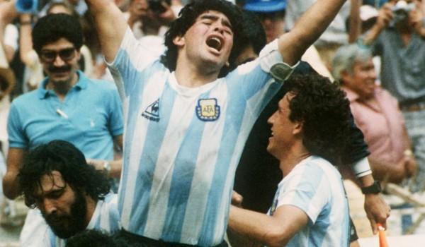 Maradona in trionfo