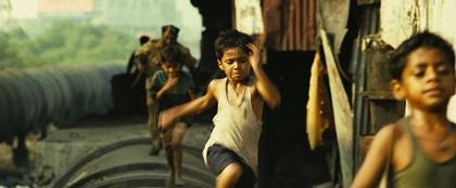 Ma che i bimbi questi poveri indiani, per quante sfighe gli possano capitare, sarà tutto bellissimo