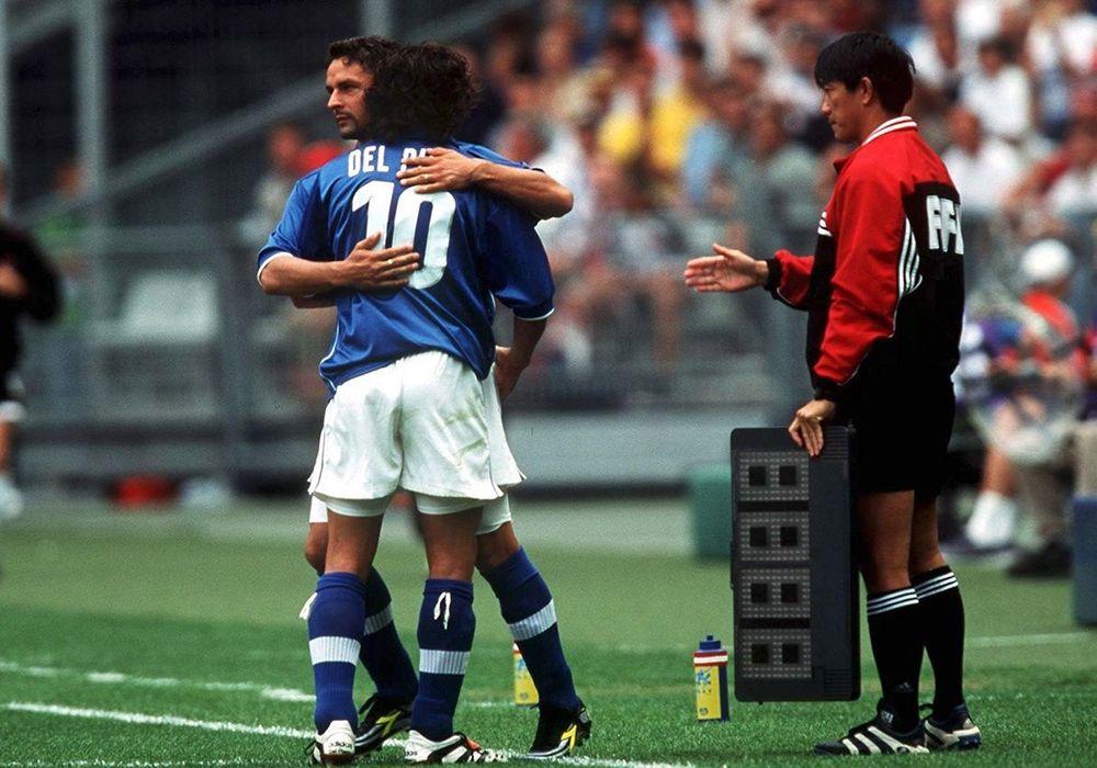 La staffetta tra Baggio e Del Piero durante la Coppa del Mondo 1998
