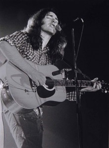 Rory_Gallagher_acoustic