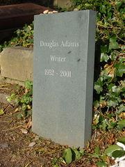Dio è morto, Douglas Adams è morto e anche io non mi sento molto bene